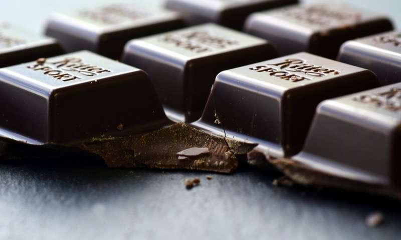 تهیه شکلات تلخ رژیمی